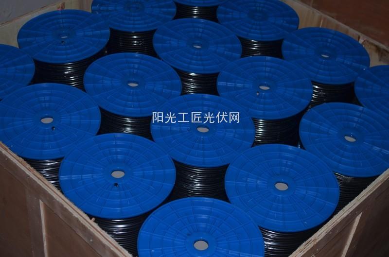 4.0双芯光伏电缆装箱